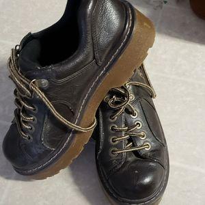 Dr Marten's lightly used woman's platform shoes
